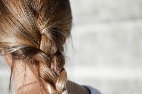 Zabiegi trychologiczne na wypadanie włosów